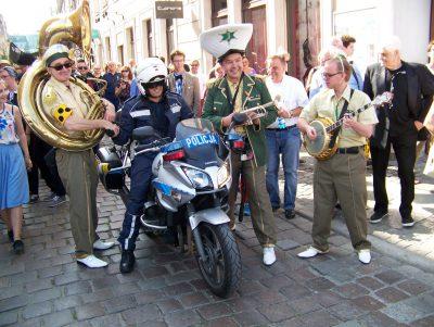 Niespodziewane spotkanie Jazzpolizei z polskim policjantem